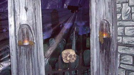 14 Projects For A Diy Haunted House Haunted Houses Home