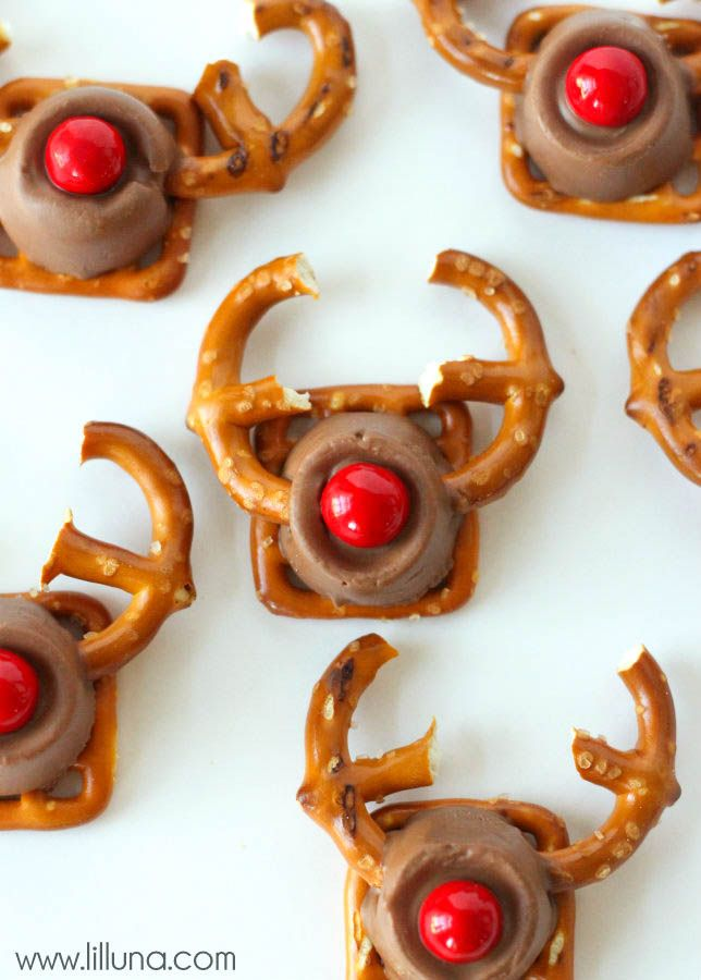 Easy and Cute Rudolph Treats - the kids would love these! This recipe takes just a few ingredients - pretzels, rolos, and red sixlets!!