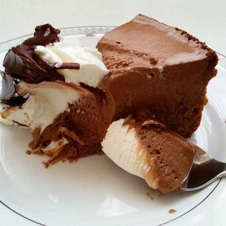 Pınar's Desserts: French Silk Pie & Vanilla Wafers