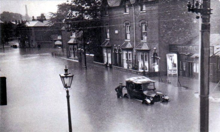 A spot of rain in Smethwick, Flooding in the High Street ...