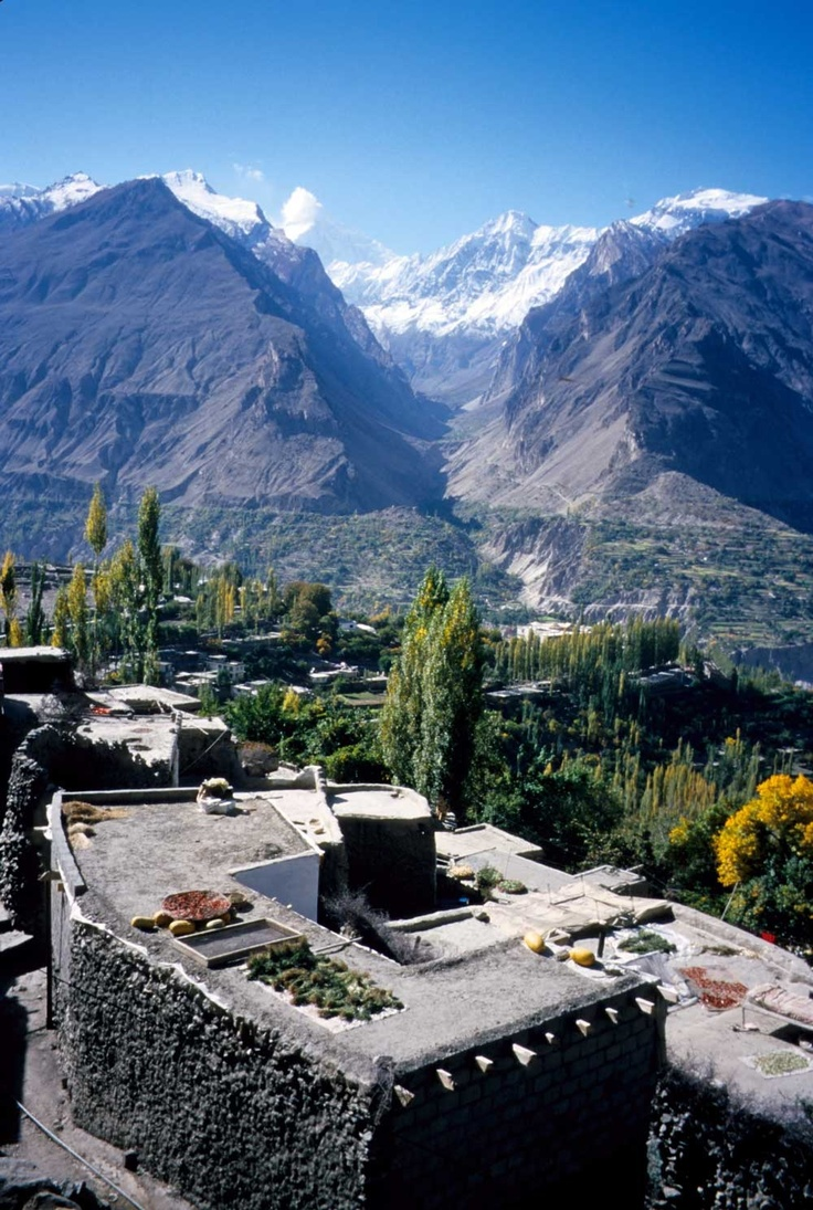 Hunza valley, Pakistan. Would like to meet the people of the HUNZA tribe.