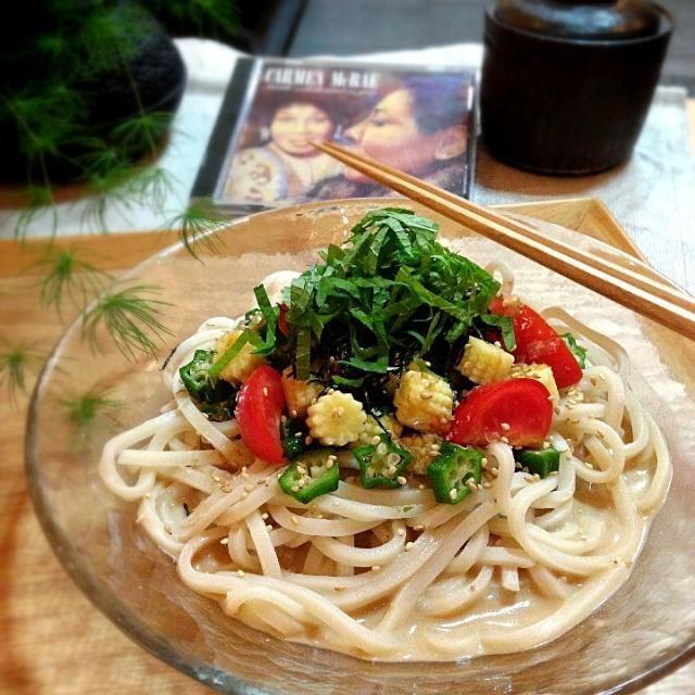 Actually only tomato,baby corn,okura… Carmen McRae-Sarah,dedicated to you - 298件のもぐもぐ - ごまだれ夏野菜うどん by rick chan