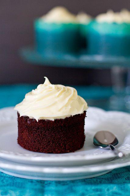ChocolateCupcakeswithWhiteChocolateFrosting by SpandanaB, via Flickr