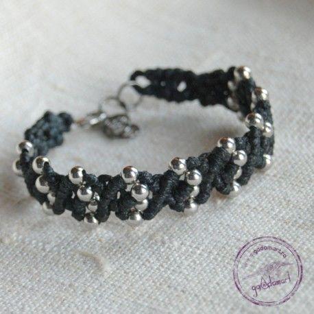 http://gadamart.ro/product/bratara-macrame-cu-margele-argintii/
