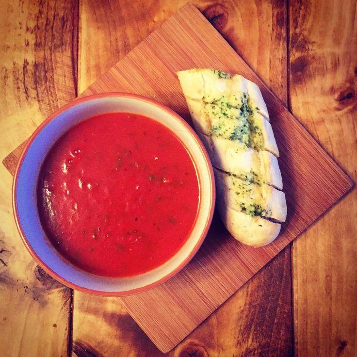 Tomato soup is my fave food group 👍🏻 - - #vegan #garlic #tomato #vegetarian #healing #comfortfood