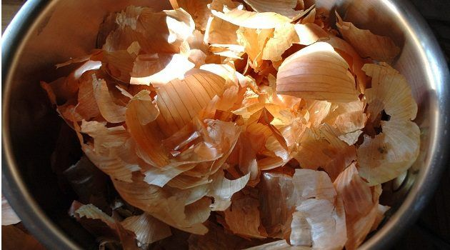 After Reading This You'll Never Throw Onion Skin Away Ever Again! - http://eradaily.com/reading-youll-never-throw-onion-skin-away-ever/