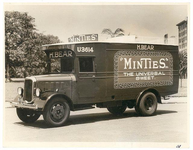 Kellogg's van for A.H. Peters Co. at Sydney University / Milton Kent