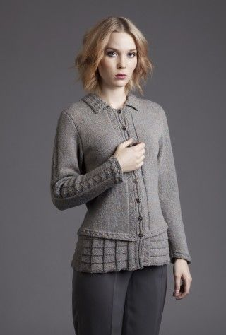 Such gorgeous details! Margaret Beaufort cardigan by Alice Starmore