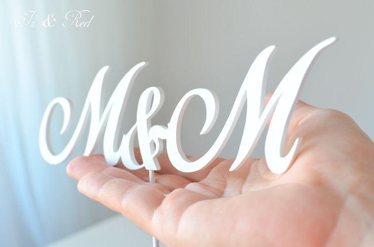 monogram na tort weselny