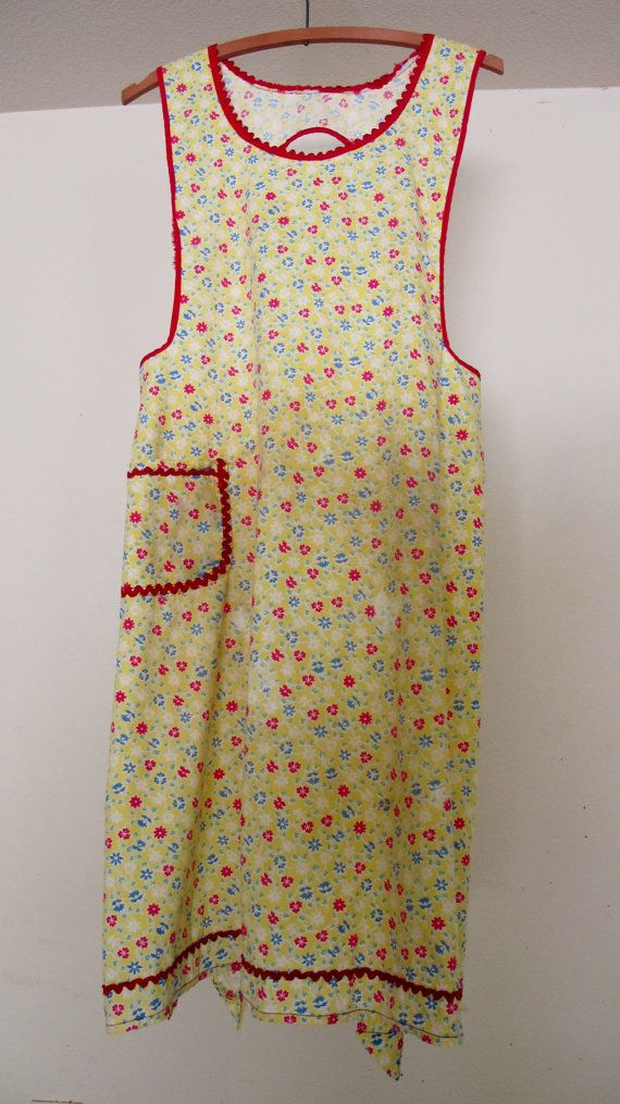 Vintage 1940's Apron Farmhouse Apron Pinafore by BelindasStyleShop