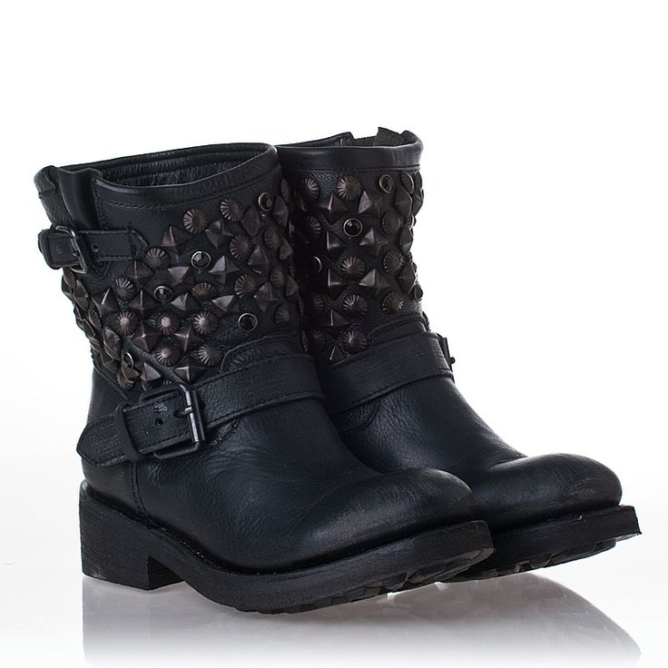 A little rocker chic with these Womens Titanic Leather and Black Studs Black…
