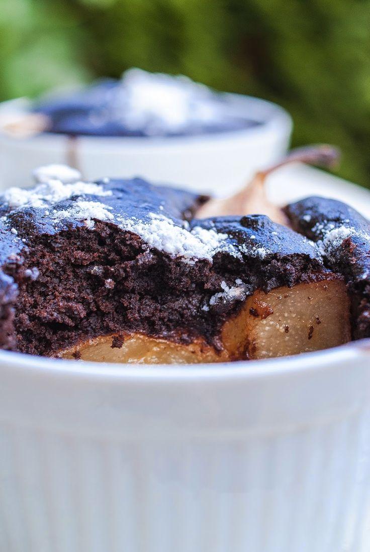 Kuchnia Nastrojowa: Gryczane ciasto czekoladowe z gruszką (bezglutenowe)