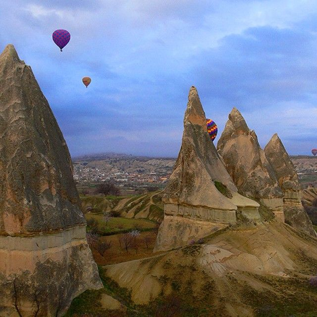 Cappadocia ballon ride in Turkey. Photo courtesy of contentedtraveler on Instagram.
