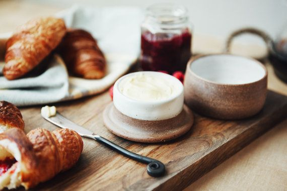 Français de beurre Keeper beurrier céramique par SawyerCeramics
