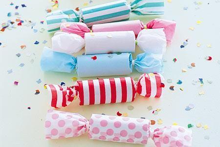 Gerade bei Kindergeburtstagen darf es schön bunt zugehen! Diese Knallbonbons sind farbenfroh und vor allem selbst gebastelt: Toilettenpapierrollen werden...