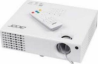 Vidéoprojecteur DLP - 3D ready- Résolution: WXGA 1280 x 800 (16/10)- Luminosité 3000 Lumens, Contraste: 13000:11 x sortie VGA - HD D-Sub (HD-15) 15 broches1 x entrée vidéo composite - RCA1 x entrée S-Vidéo - mini-DIN2 x vidéo composante-entrée RVB - HD D-Sub (HD-15) 15 broches1 x HDMI - HDMI type A 19 broches1 x sortie ligne audio - fiche mini-phone Stéréo 3,5 mm1 x USB - mini-USB type B à 4 broches ( gestion )1 x série RS-232 - D-Sub (DB-9) 9 broches ( gestion )2 x entrée ligne audio…