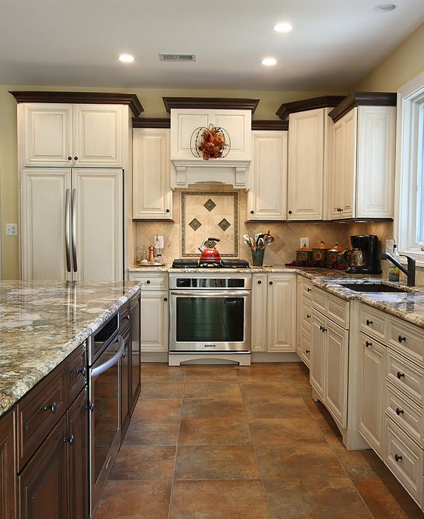 Kitchen Cabinet Crown Molding Ideas: Sister - Black Crown Molding Example.