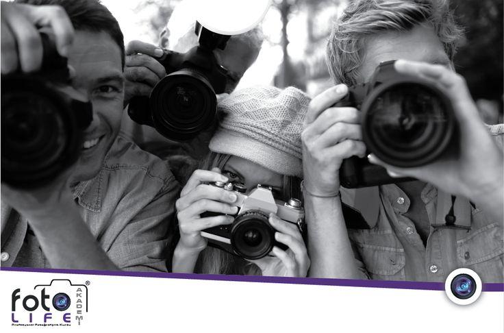 Meraklıları için düzenlediğimiz siyah beyaz fotoğrafçılık kursları da siyah beyaz tekniğini ve büyüleyici fotoğraf kareleri oluşturmayı öğretmektedir.