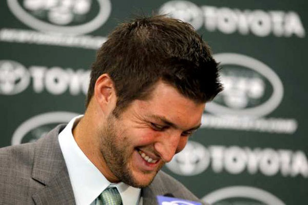 """""""I'm so honored and humble to be a Jet."""" Tebow playing in New York! woooo"""