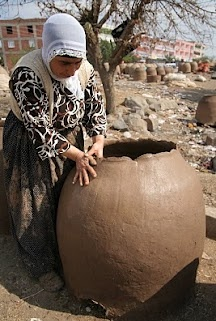 Making pottery bread-oven, Batman Turkey