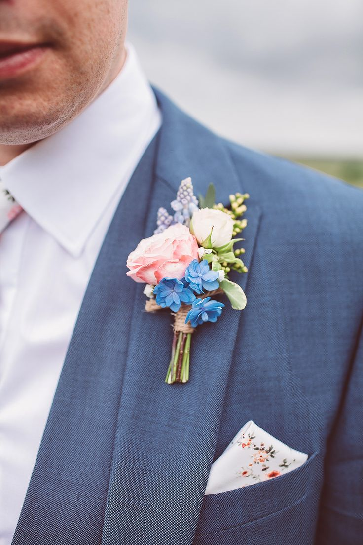 Pastel Buttonhole | Lemonade Pictures | http://www.rockmywedding.co.uk/hayley-jon/