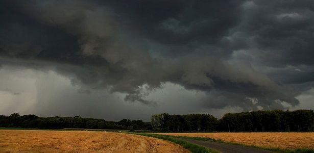 Novembro começa com muita chuva em Alta Floresta (MT) - De olho no tempo - 100% Meteorologia jornalística!