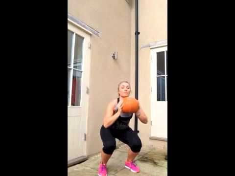 Zita shows you a special #Halloween full body #workout using a #pumpkin instead of a medicine ball