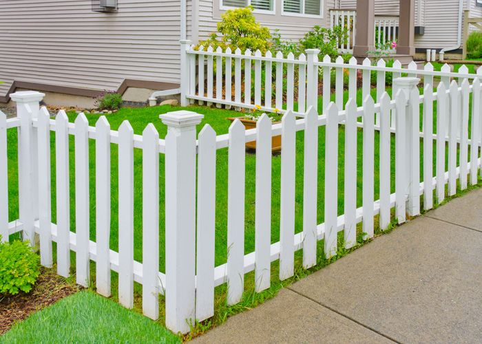 Marvelous #FenceContractor company in #Bronx offering cheap #construction rates. View the details: http://www.generalroofingcontractorsbronx.com/fence/