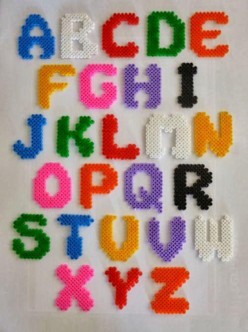 lettres de l'alphabet pyssla artisanat bricolage hama