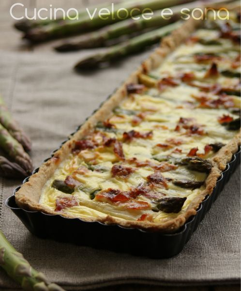 Crostata rustica con speck, asparagi e uova | Cucina veloce e sana