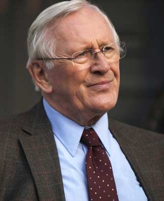 "Len Cariou credits the great relationship on the set in large part to Tom Selleck, who also has a big creative say in ""Blue Bloods"" behind the scenes. ""He knows the business inside and out, and he's just a great influence on everybody."""