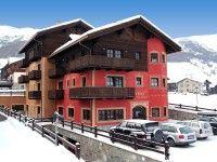 #WINTERURLAUB #LIVIGNO #ITALIEN Hotel Meeting in Livigno günstig buchen / Italien - Das komfortable 4-Sterne-Hotel Meeting liegt nur etwa 100 m von den Skiliften des Carosello-Skigebietes und ca. 800 m von der Fußgängerzone von Livigno entfernt. Die Skibushaltestelle erreichen Sie ebenfalls nach ungefähr 100 m. www.winterreisen.de