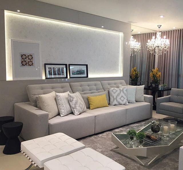 Sala de tv lindíssima!! Cinza + amarelo + preto #boatarde #interiores #decor…