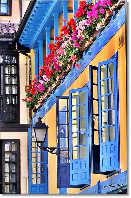 Balcones de Oviedo, Asturias