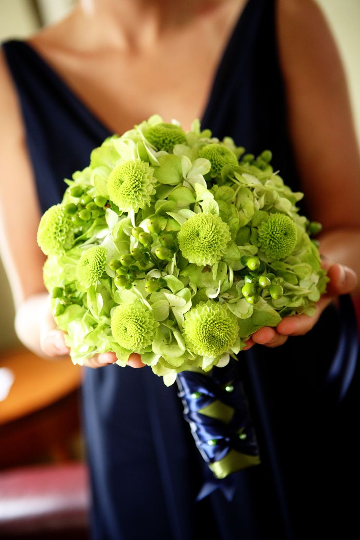green hydrangea, button mums and hypericum berry in a #bouquet for a #navy #blue dress