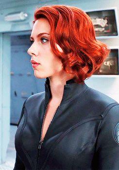 Punaiset kuparin väriset hiukset ovat ihanat Scarlett...