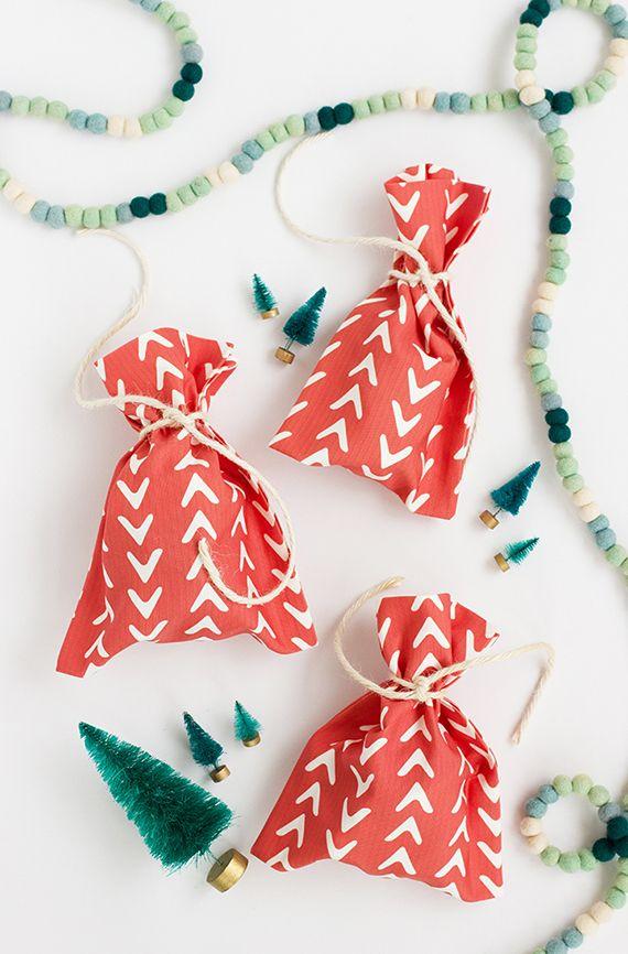 DIY: No-Sew Fabric Gift Bag