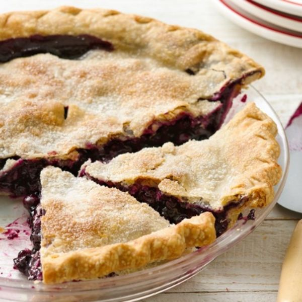 Only 6 ingredients are needed for this ultra-easy blueberry pie!