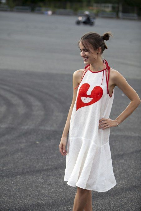 Heart Red by Jain&Kriz. 100% linen.