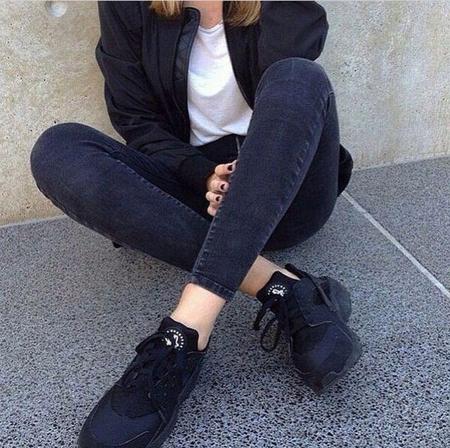 Nike Huarache Black And White Girl