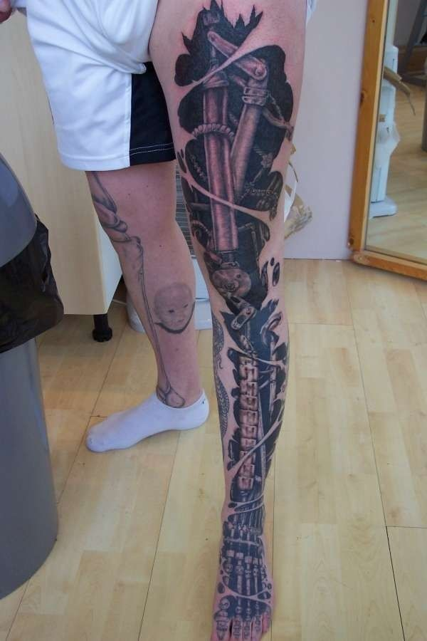 Leg internal tattoo This is one cool looking biomechanical full leg tattoo.