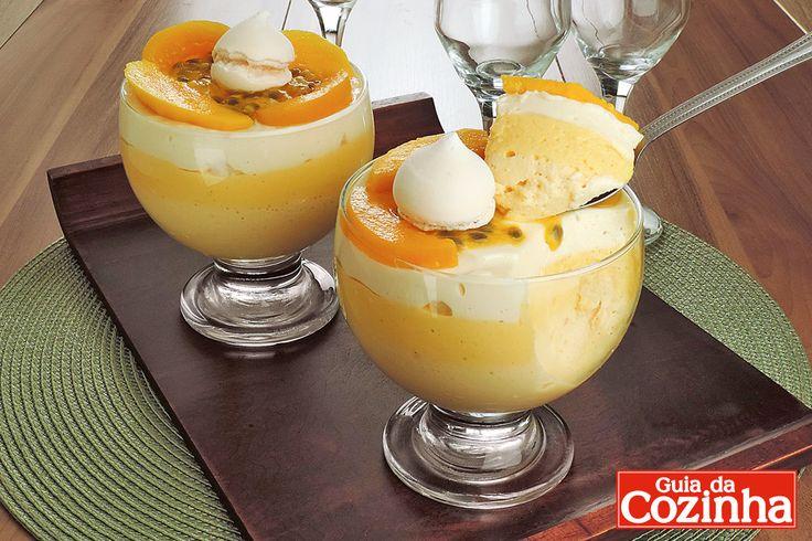 Aprenda a fazer o mousse de pêssego, manga e maracujá, que além de delicioso e pode ser servido em taças individuais. Fica lindo!