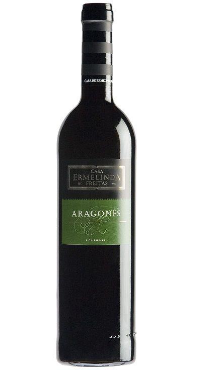 Na boca mostra-se com bom volume, a maturação torna os taninos ainda mais suaves, é um tinto redondo, frutado, apetecível. #aragonez #tinto #vinho #wine #redwine #vinhopremier