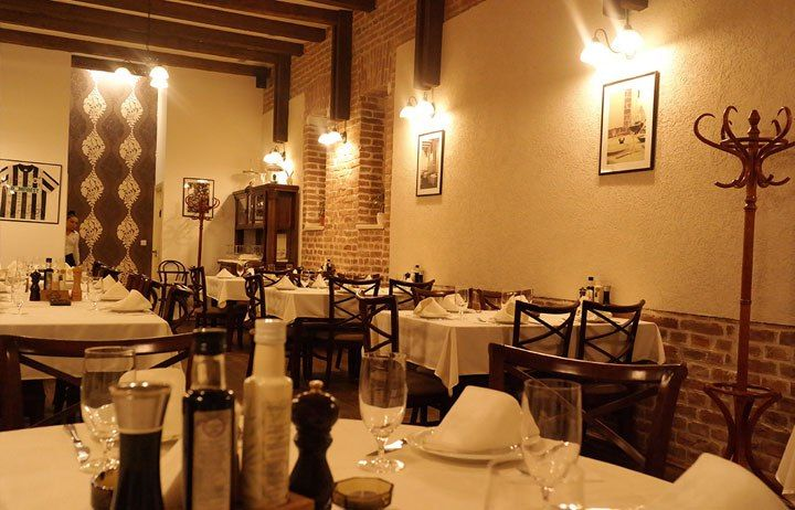 TOP 12 RESTAURANTS IN CLUJ These are among the favorite food joints that both locals and tourists frequent. There is, for sure, a restaurant that will satisfy your taste buds, whatever delish you prefer.