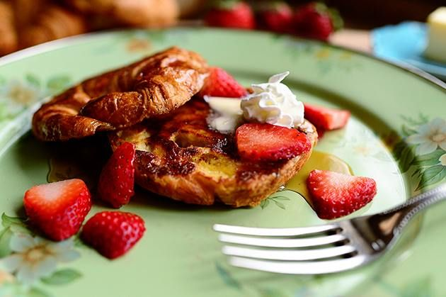 Croissant French Toast! | Brunch Goodies | Pinterest