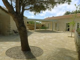 Aroniadika House, Kythira
