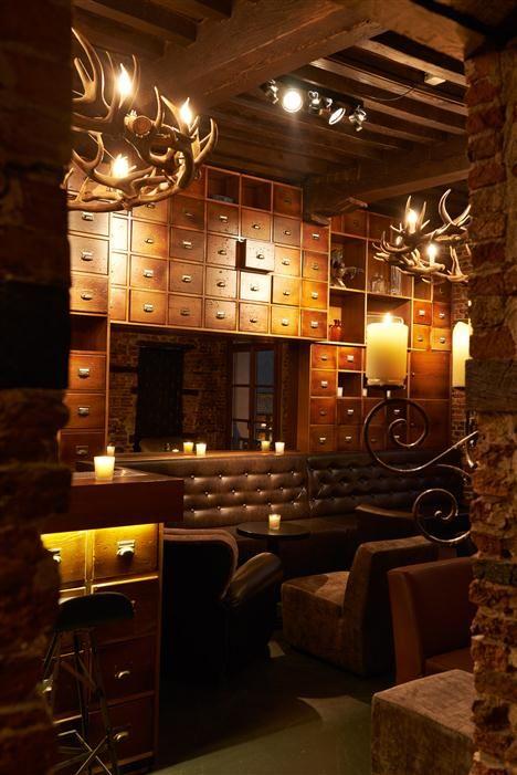 NEW - Private Bar van Appelmans (vlakbij de kathedraal) barefootstyling.com