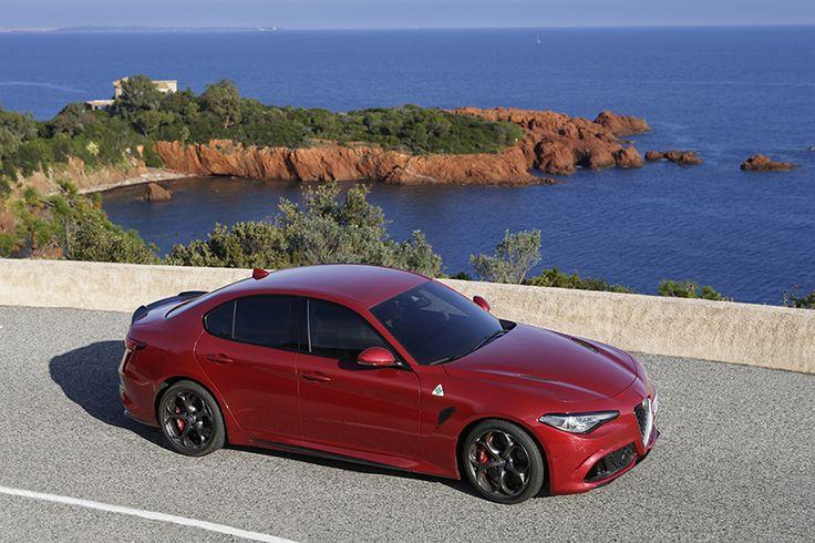 Odpalaj silnik i zaczynaj weekend! Wycieczka Alfą zaplanowana? #AlfaRomeo #Giulia #Quadrifoglio