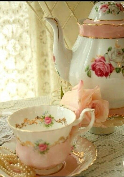 I love vintage tea pots and tea cups