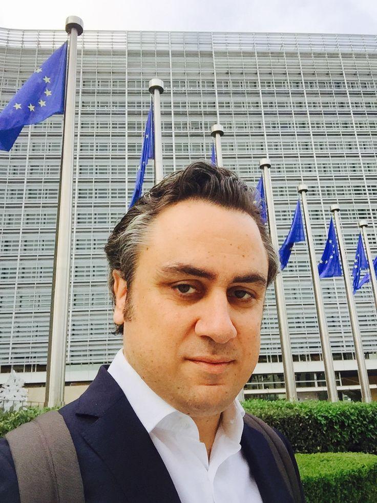 «Μας κοροϊδέψατε. Μας βάλατε να ψηφίσουμε μέτρα και τώρα τα μέτρα για το χρέος που μας παρουσιάζετε απέχουν παρασάγγας από αυτά που είχατε υποσχεθεί», φέρεται να φώναξε, μιλώντας στο Eurogroup ο υπουργός Οικονομικών Ευκλείδης Τσακαλώτος και βλέποντας τις λύσεις που βρίσκονταν στο τραπέζι για το ελληνικό χρέος.